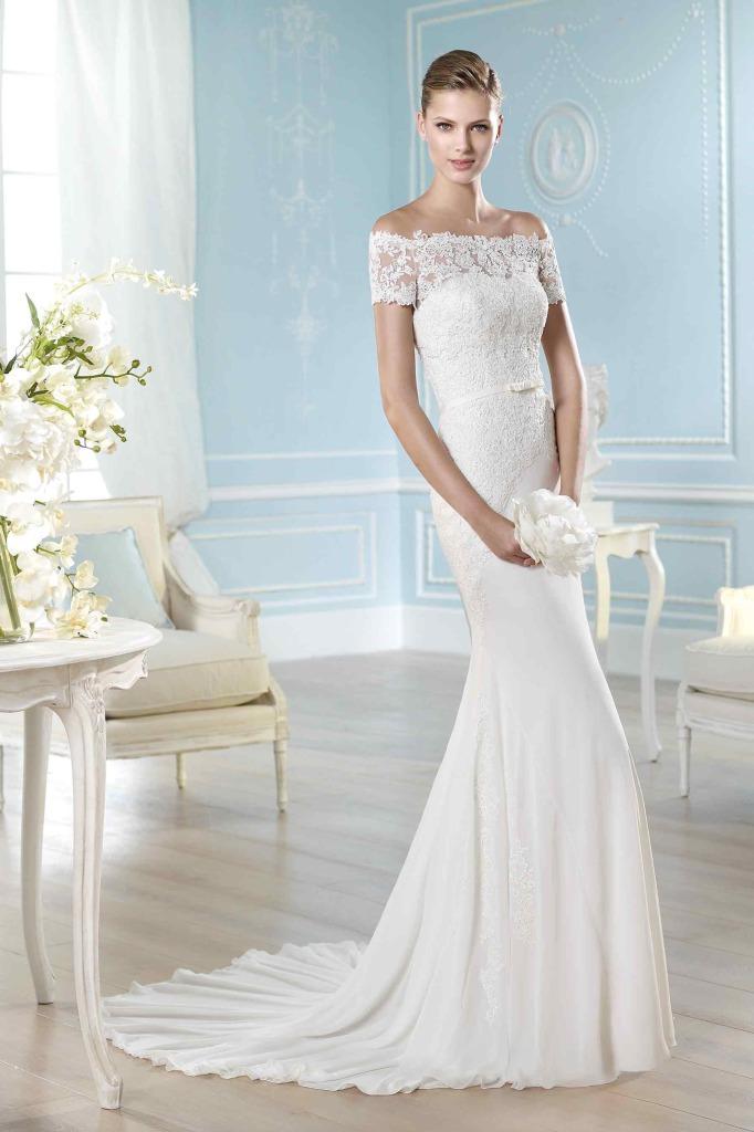 fluide-lace-wedding-gown