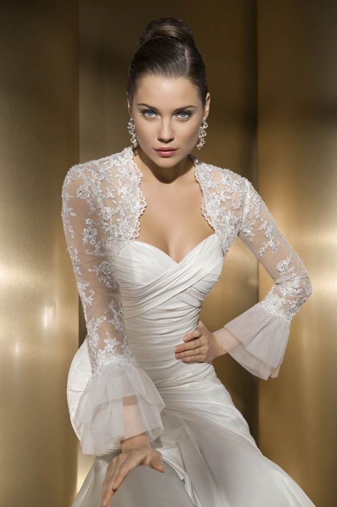 how to clean your wedding dress at home