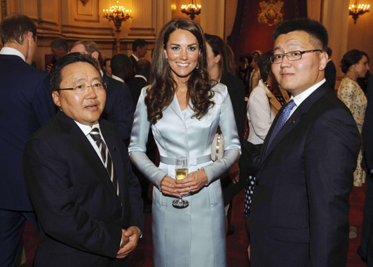Elegant Princess Kate Long Sleeve Satin Coat Dress
