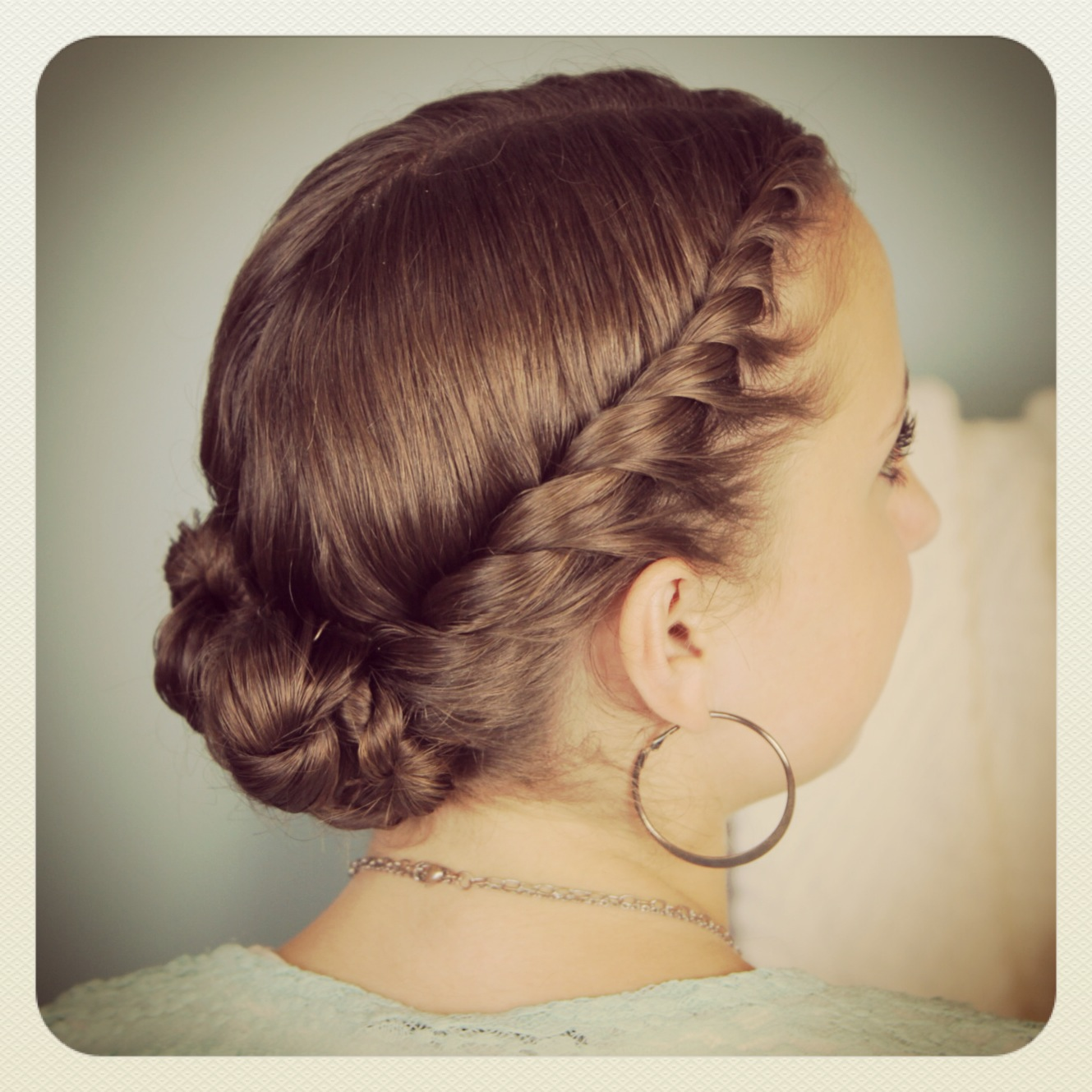 Hairstyles For Formal Dances Hairstyles To Go With Your Homecoming Dress Persuncc Official Blog