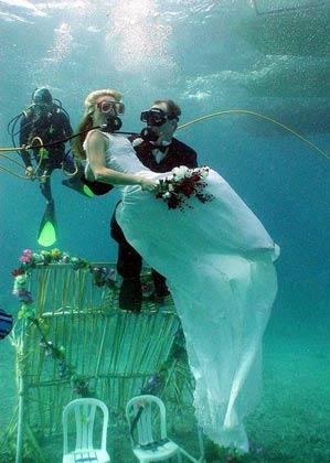 unique underwater wedding-2